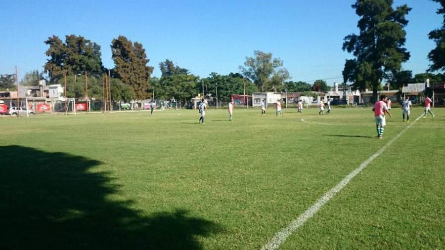 Cancha de futbol en el Centro Deportivo Canning