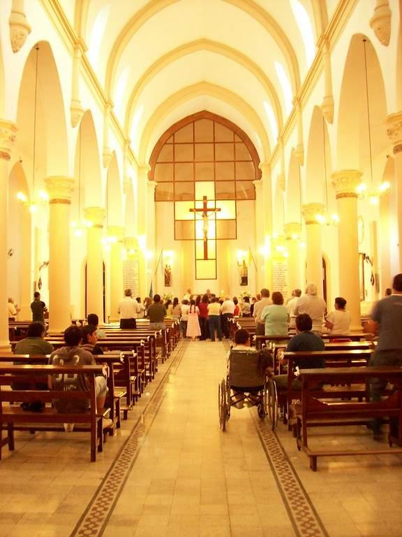 Interior de la Parroquia San Francisco Javier en Ramallo