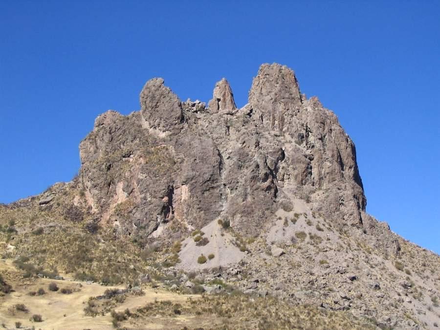 Colina conocida como la Muela del Diablo en los alrededores de La Paz