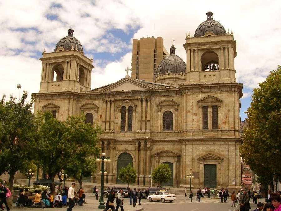 Vista exterior de la Catedral Metropolitana de La Paz
