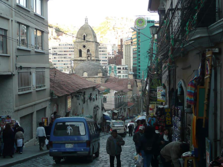 Calle Sagárnaga en La Paz, Bolivia