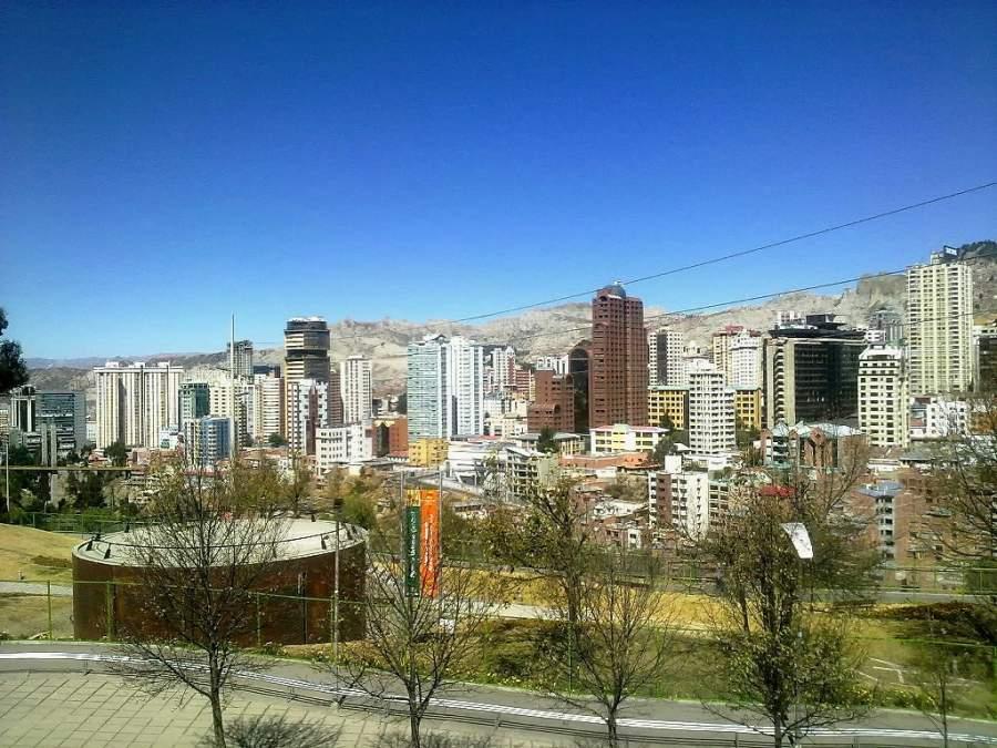 Paisaje urbano de La Paz desde el Parque Central