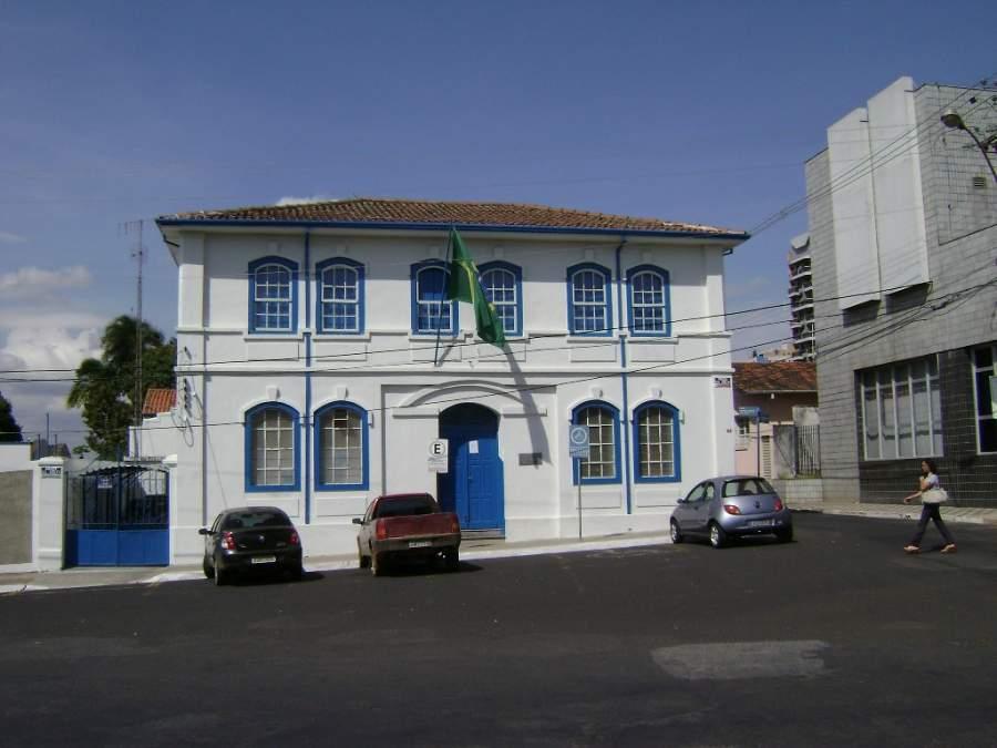 Edificio municipal en Araxá