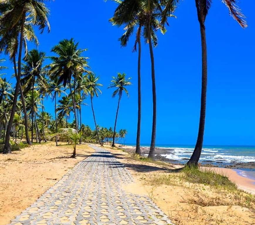 Sendero para caminar en las playas de Costa do Sauípe