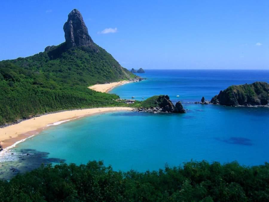 Fernando de Noronha se conforma por 20 islas pequeñas y una isla mayor