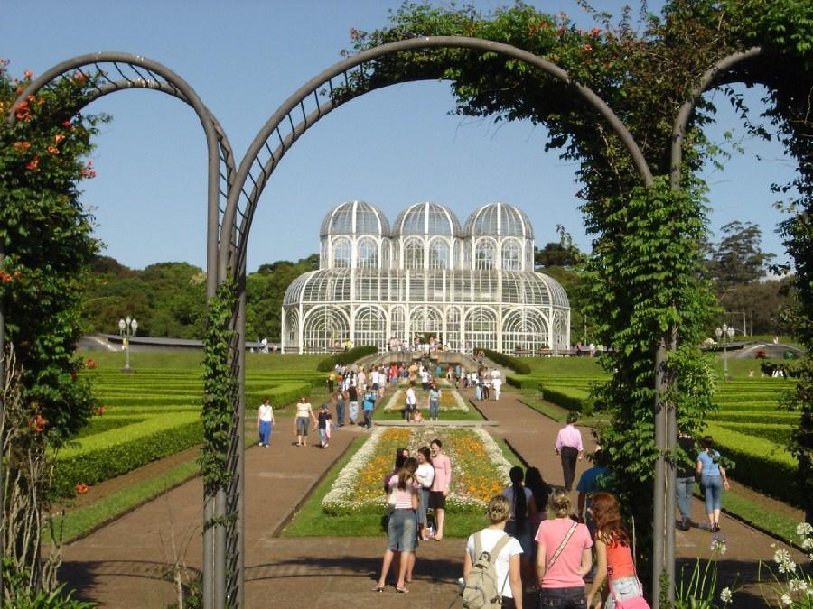 Entrada al jardín botánico de Curitiba
