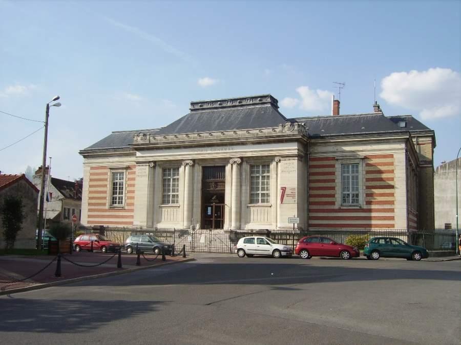 Conoce el antiguo palacio de justicia en Meaux