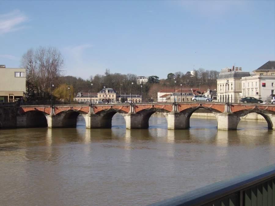 Puente del Mercado en Meaux