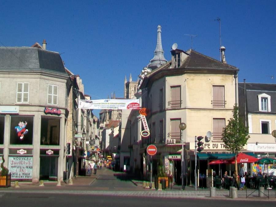 Ve de vacaciones a la ciudad de Meaux en Isla de Francia