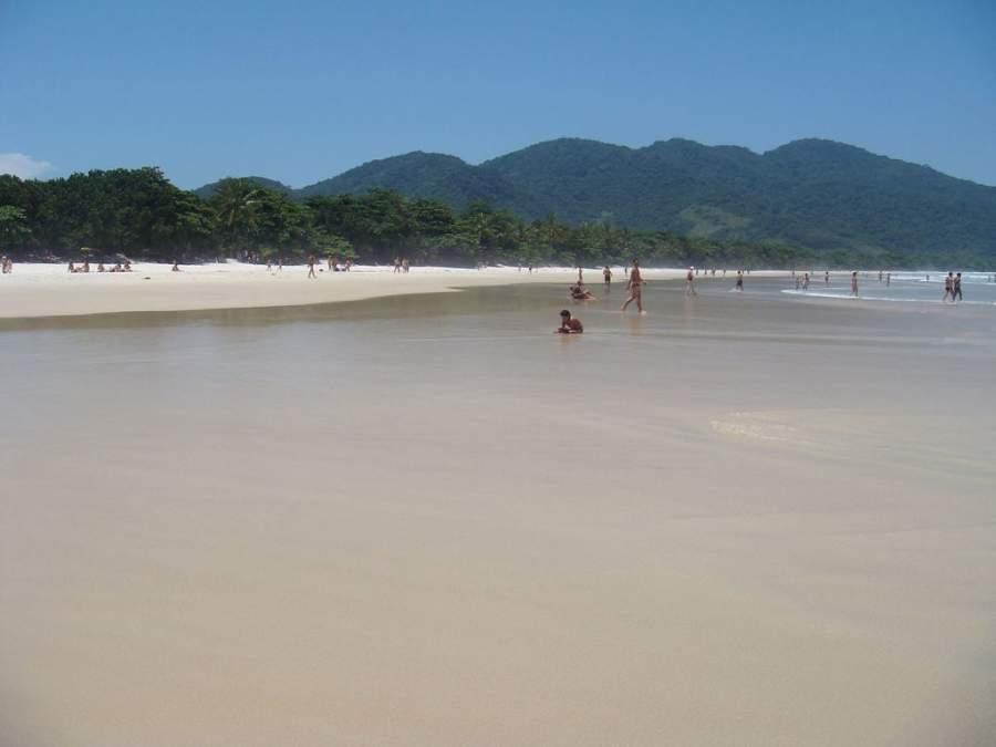 La playa de Lopes Mendes es famosa mundialmente entre los surfistas