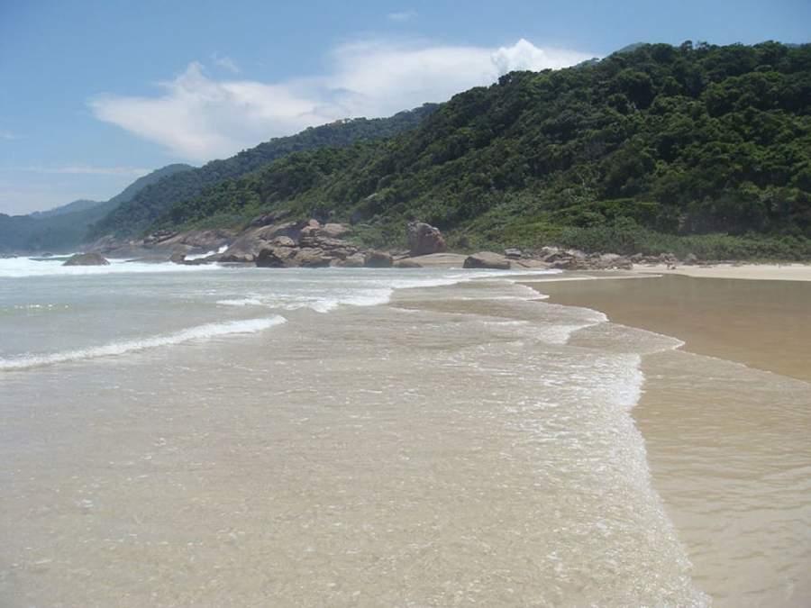 El principal atractivo de Enseada de Palmas son sus playas