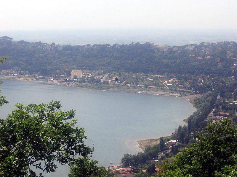 Visita el lago Albano en Lariano