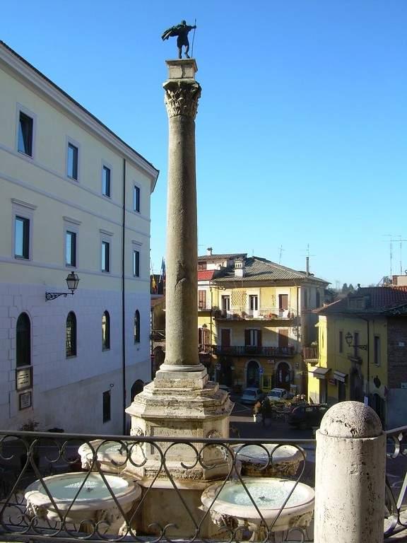 Fontana del Colle en el centro de Valmontone
