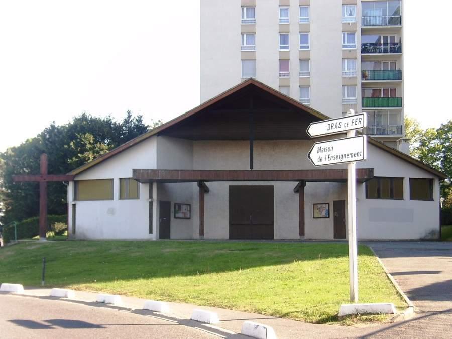 Iglesia de Nuestra Señora de la Esperanza en Évry