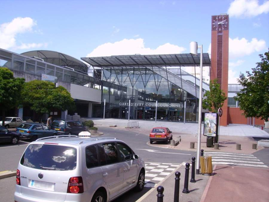 Estación de trenes en Évry