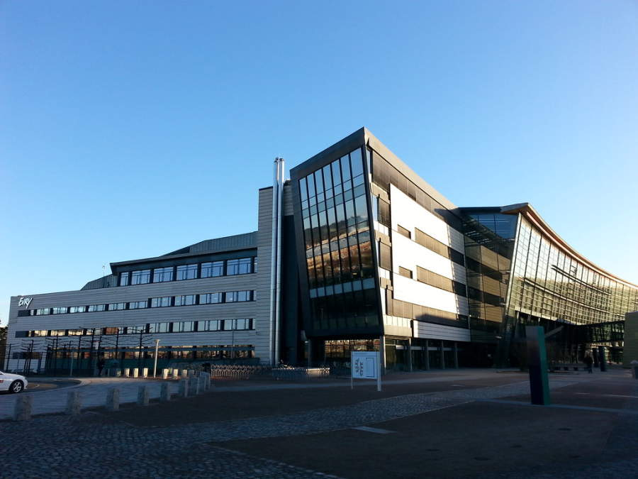 Edificios de arquitectura contemporánea en Évry