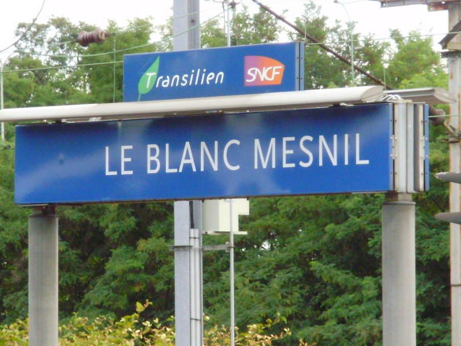 Le Blanc-Mesnil se localiza a solo 12.5 kilómetros del centro de París