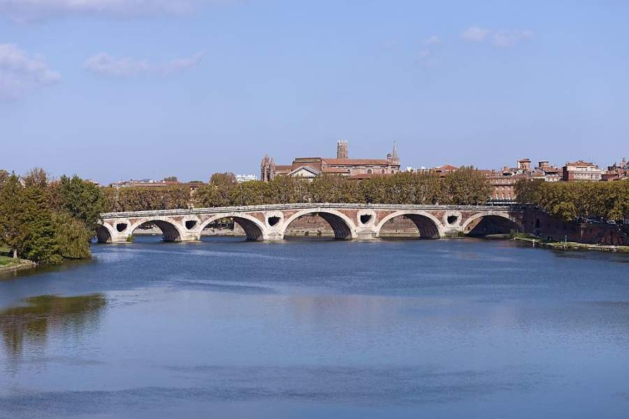 Puente Neuf en la ciudad de Toulouse