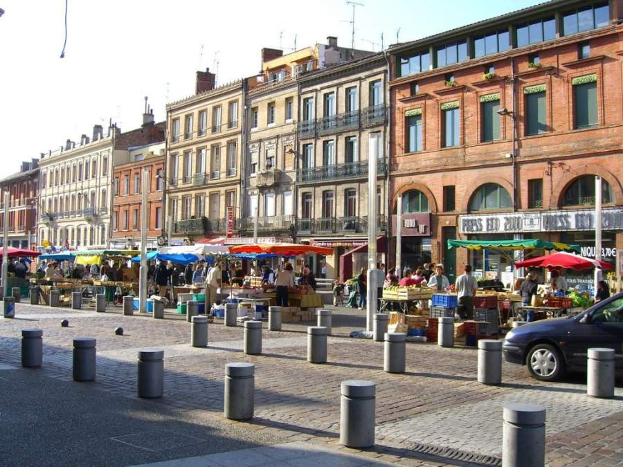 Mercado en las calles de Toulouse