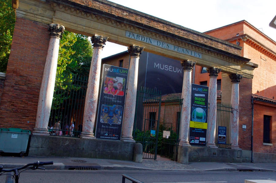 Entrada al Jardín de Plantas de Toulouse