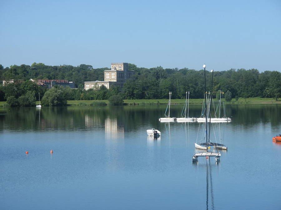 Lago en los alrededores de Torcy
