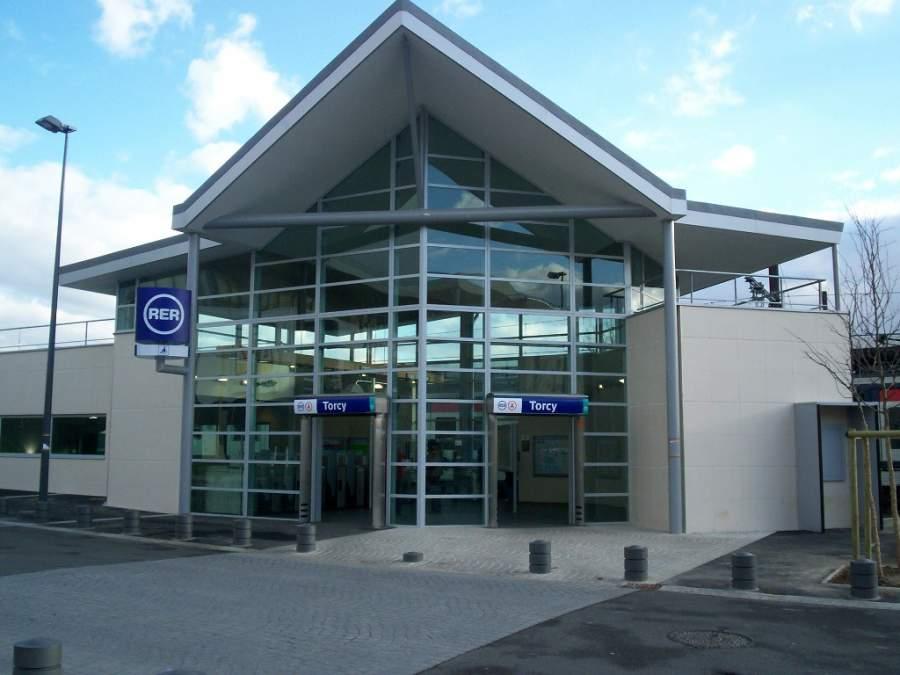 Estación de tren en Torcy