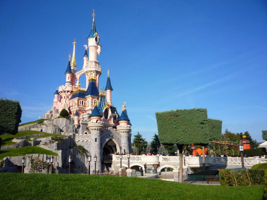 Castillo en un parque temático de Disneyland® Paris