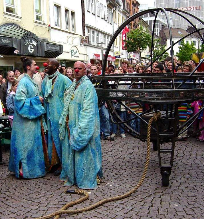 Evento cultural en una calle de Colombes