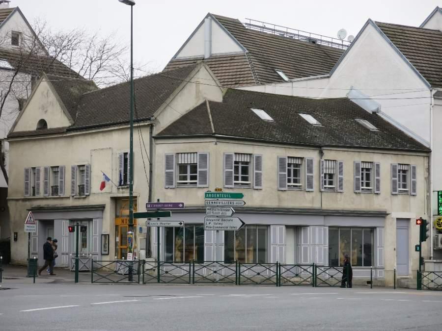 Exterior del Museo Municipal de Arte y de Historia en Colombes