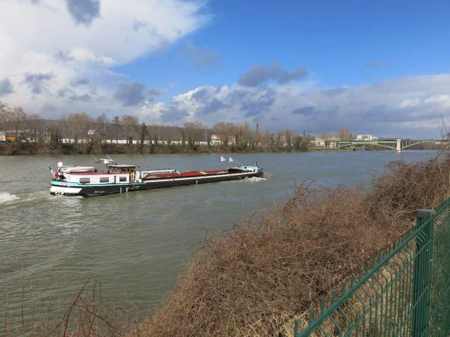 Paisaje del río Sena desde Colombes
