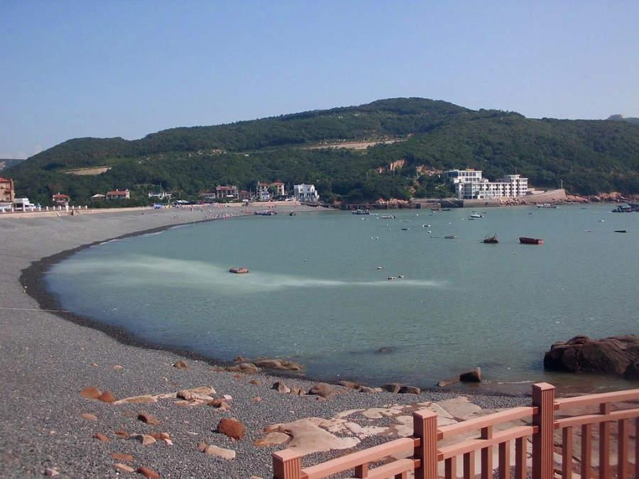 Relájate en la costa oriental de Zhujiajian en Zhoushan
