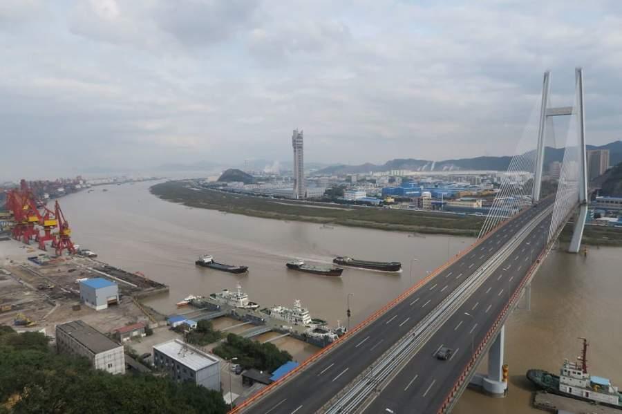 El río Yongjiang cruza la ciudad de Ningbo