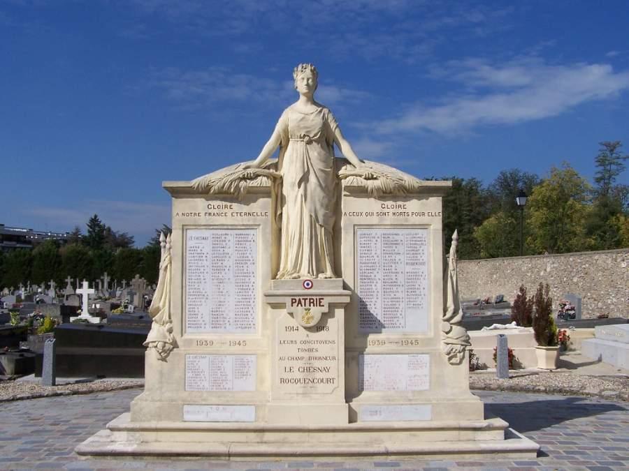 Monument aux morts en Le Chesnay