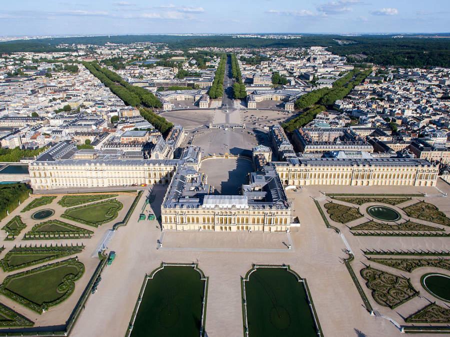 El Palacio de Versalles se ubica en las inmediaciones de Le Chesnay