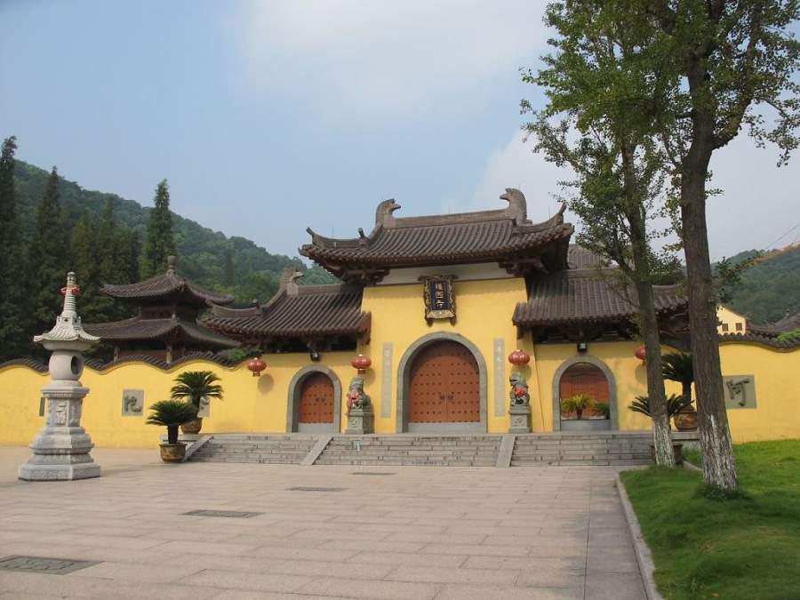 Puerta de entrada a un Monasterio Budista en Wenzhou