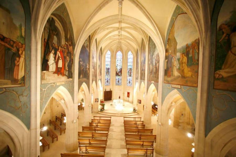 Frescos al interior de la Iglesia de San Remy