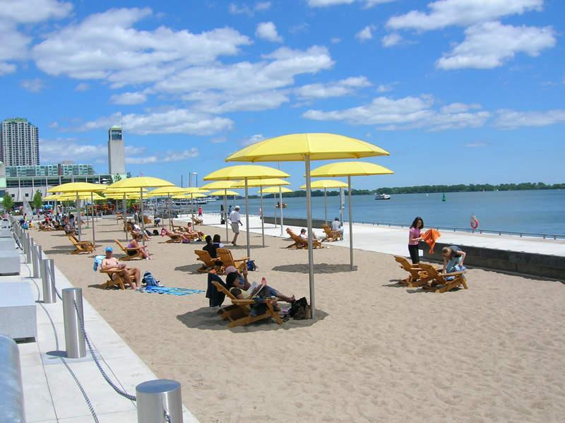 Playa junto al lago en Toronto