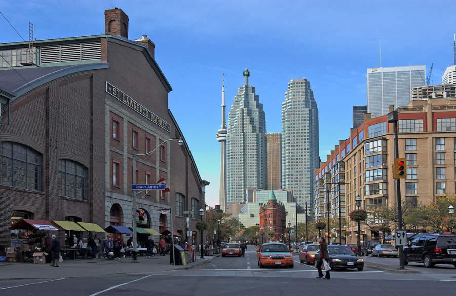 Calle Front en el centro de Toronto