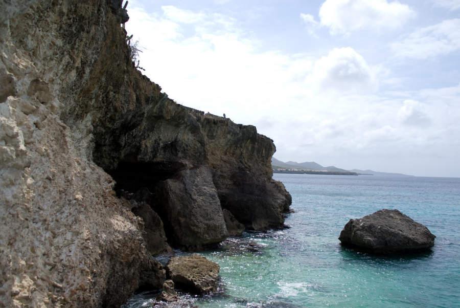 Coral Cliffs en Westpunt