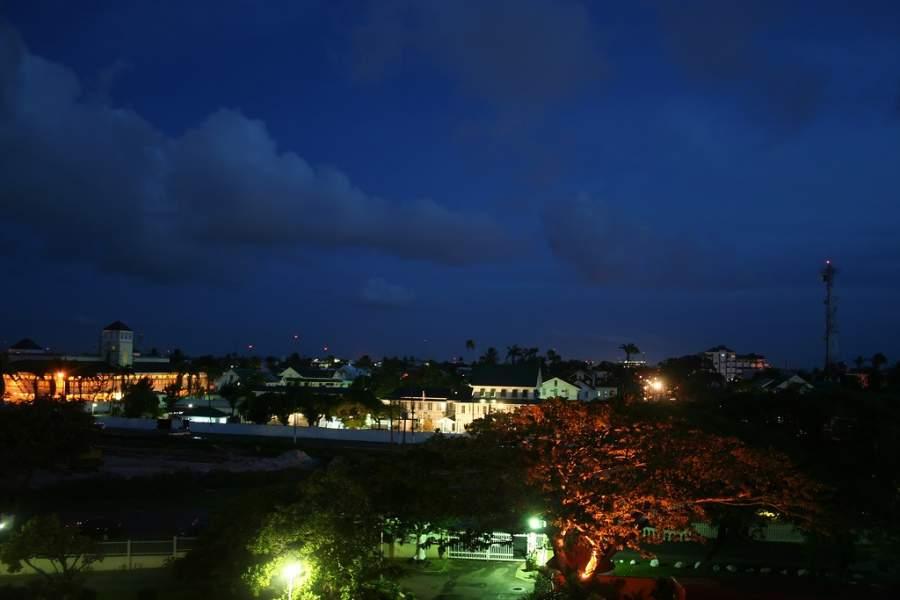 Vista nocturna de la ciudad de Georgetown