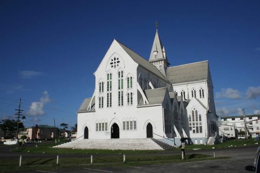 La Catedral Anglicana de San Jorge está hecha de madera