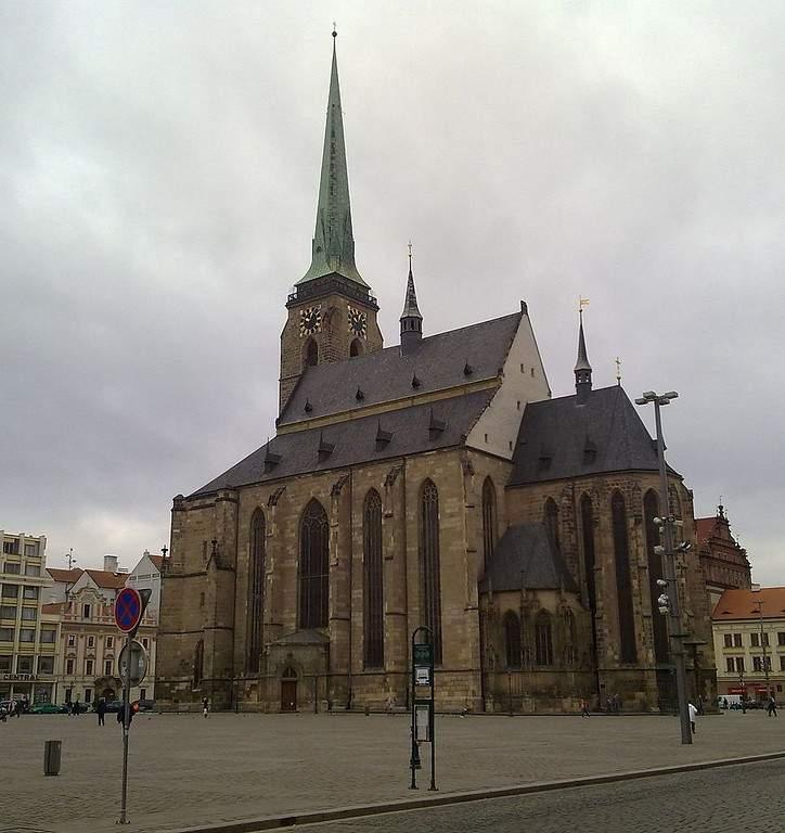 Conoce la Catedral de San Bartolomé en Pilsen
