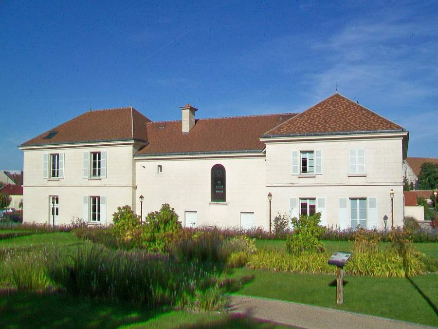 Edificio del Ayuntamiento de Le Mesnil-Amelot