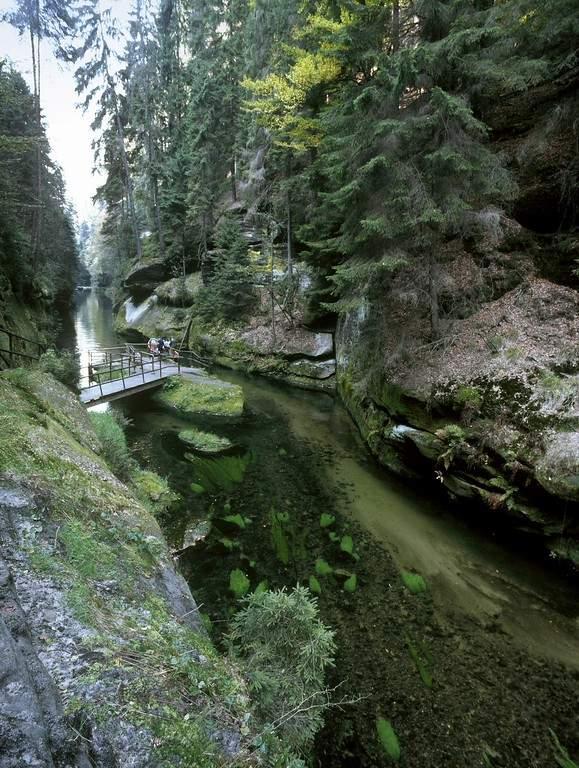 En los alrededores de Hrensko está el Parque Nacional de la Suiza Bohemia