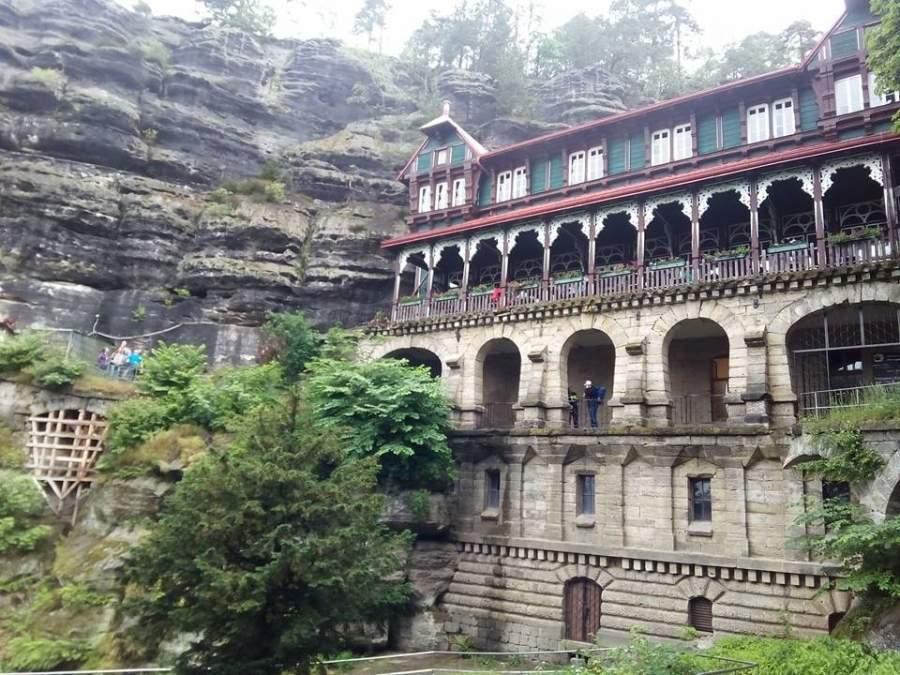 El hotel Sokolí hnízdo fue construido en el año de 1881