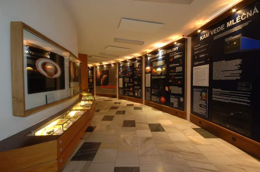 Pabellón en el interior del Observatorio y Planetario de Ostrava