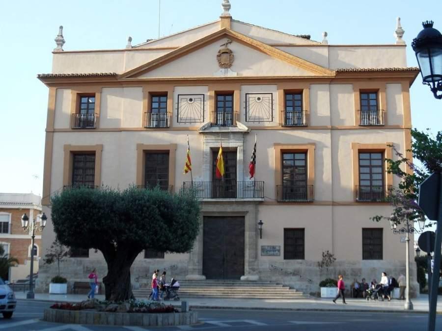 Visita el Palacio de los Condes de Villapaterna en Paterna