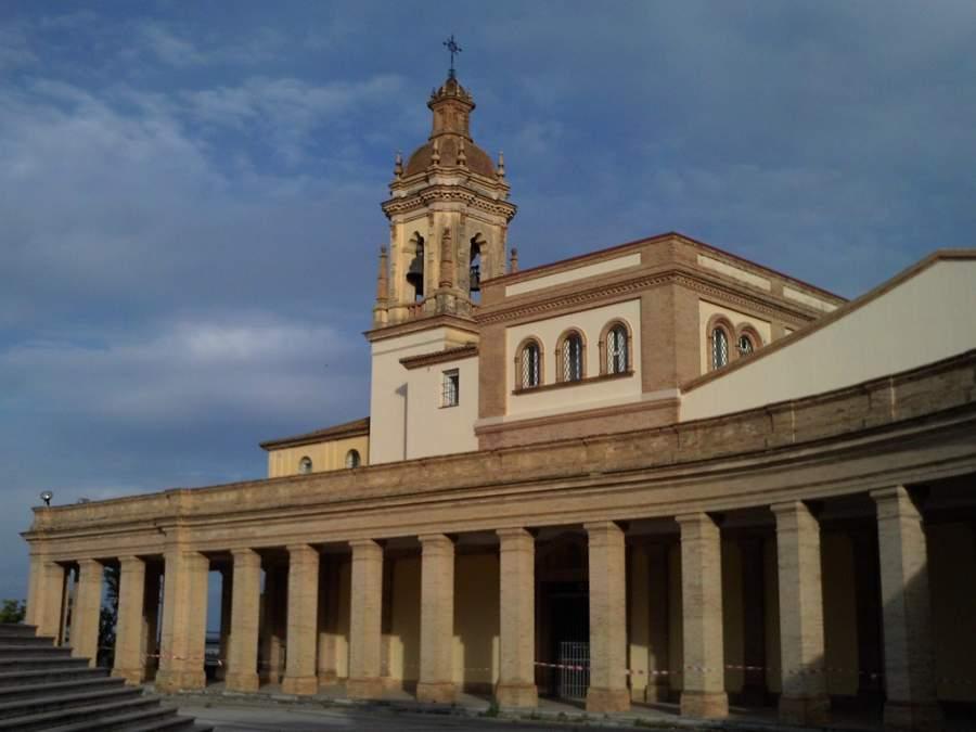 Iglesia de los Sagrados Corazones en San Juan de Aznalfarache