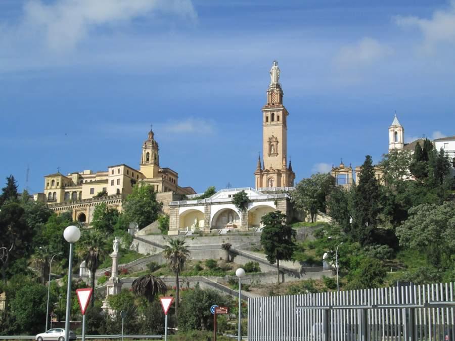 Panorama del complejo del Sagrado Corazón en San Juan de Aznalfarache