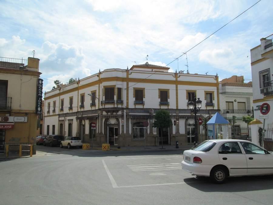 Plaza de Andalucía en la ciudad de San Juan de Aznalfarache